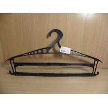 Плечики для верхней одежды пластик р.48-50 с двумя полками арт.Р2913 код77-1198 Союзпластик