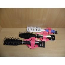 Щетка д/укладки волос гвоздики пластик ручка пластик овал Valzer в ассортименте .